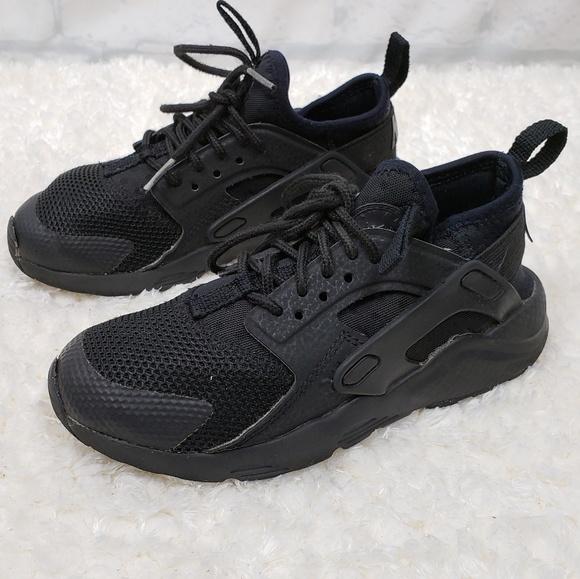 Nike Shoes   Nike Huarache Ultra Low